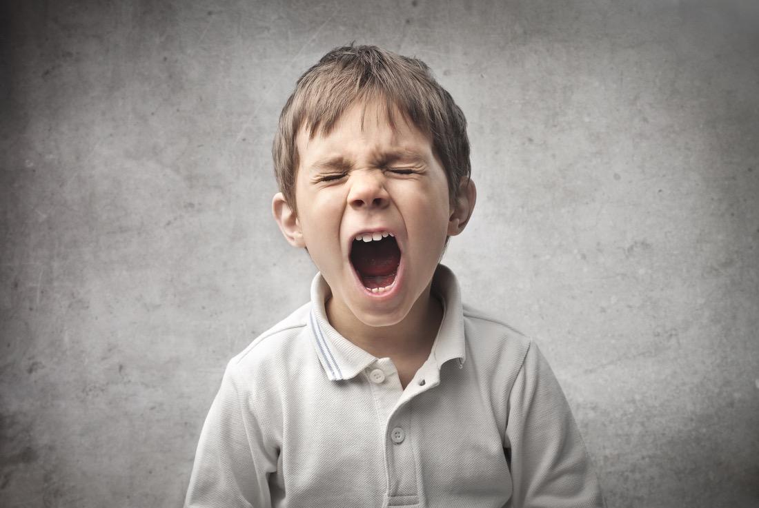 در مقابل حرف بد کودک چه واکنشی نشان دهیم؟